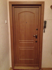 Металлическая входная дверь - шпон