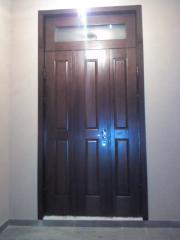 Металлическая входная дверь с шпоном